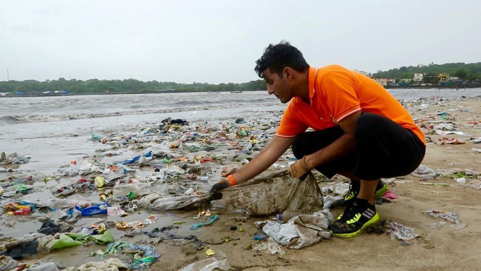afroz shah - versova beach cleanup
