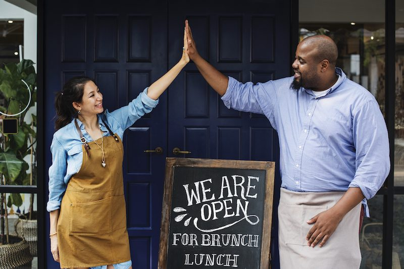 Best Practices to Reopen a Restaurant (While Keeping Yourself, Employees and Diners Safe)